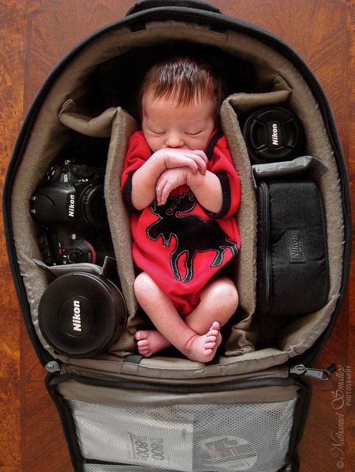 نگاهی به عکس های قابل ستایش عکاسان از فرزندان خود در کیف دوربین