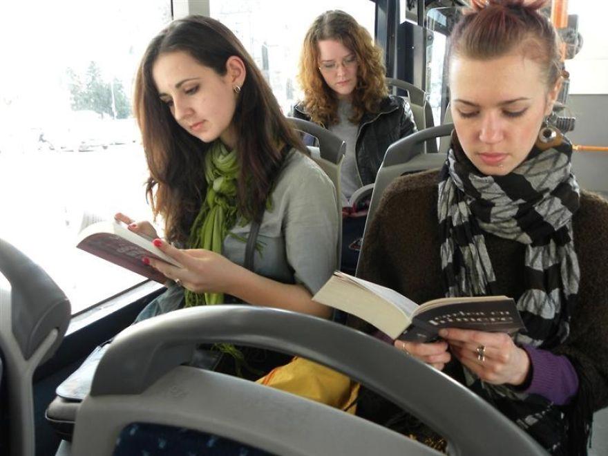 حمل و نقل عمومی رایگان برای خوانندگان کتاب در رومانی