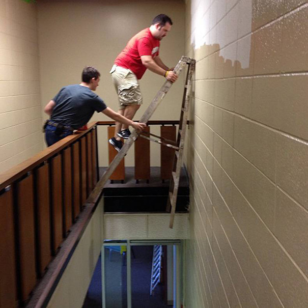 funny-photos-men-safety-fails-15__605