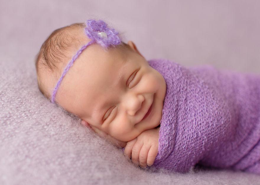 زیباترین لبخند های نوزادان در خواب