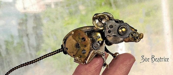 recycled-watch-parts-sculptures-vintage-antique-susan-beatrice-18
