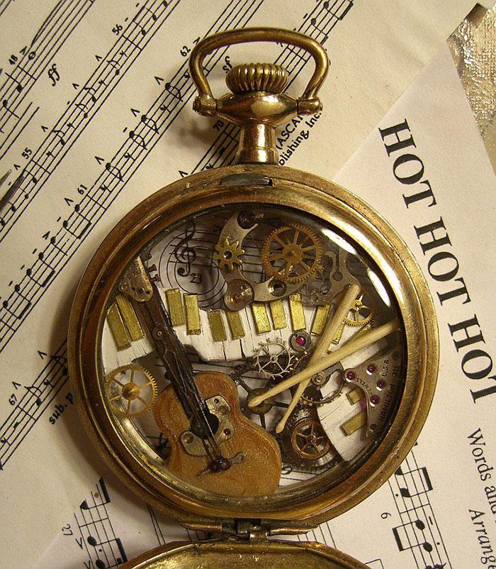 recycled-watch-parts-sculptures-vintage-antique-susan-beatrice-38