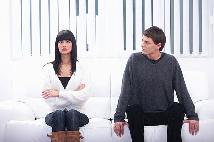 نشانه های پایان یک رابطه – عوامل و راهکارها