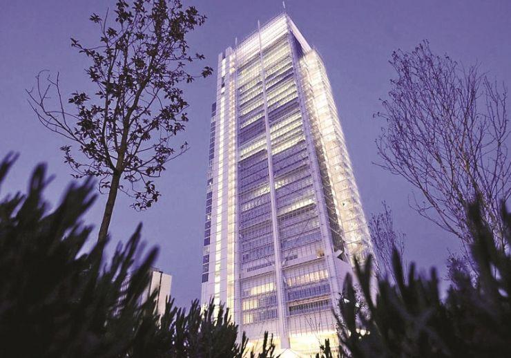 1-4-Intesa-Sanpaolo-Office-Building-by-Renzo-Piano-Building-Workshop-00-740x518