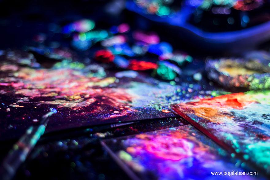 Glowing-murals-by-Bogi-Fabian6__880