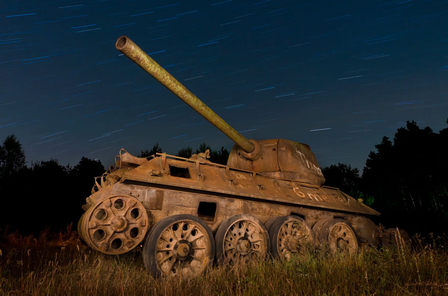 tanks-taken-over-by-nature-65__880