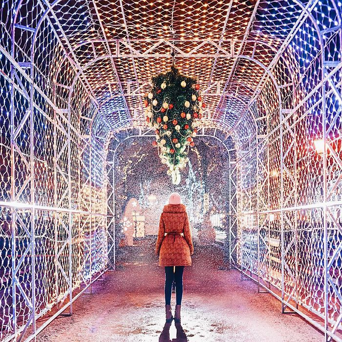 moscow-city-looked-like-a-fairytale-during-orthodox-christmas-10__700 - Copy