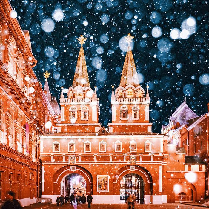 moscow-city-looked-like-a-fairytale-during-orthodox-christmas-9__700 - Copy
