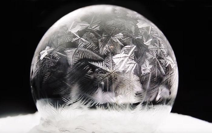 انجماد حباب صابون در دمای ۱۵- درجه سانتی گراد