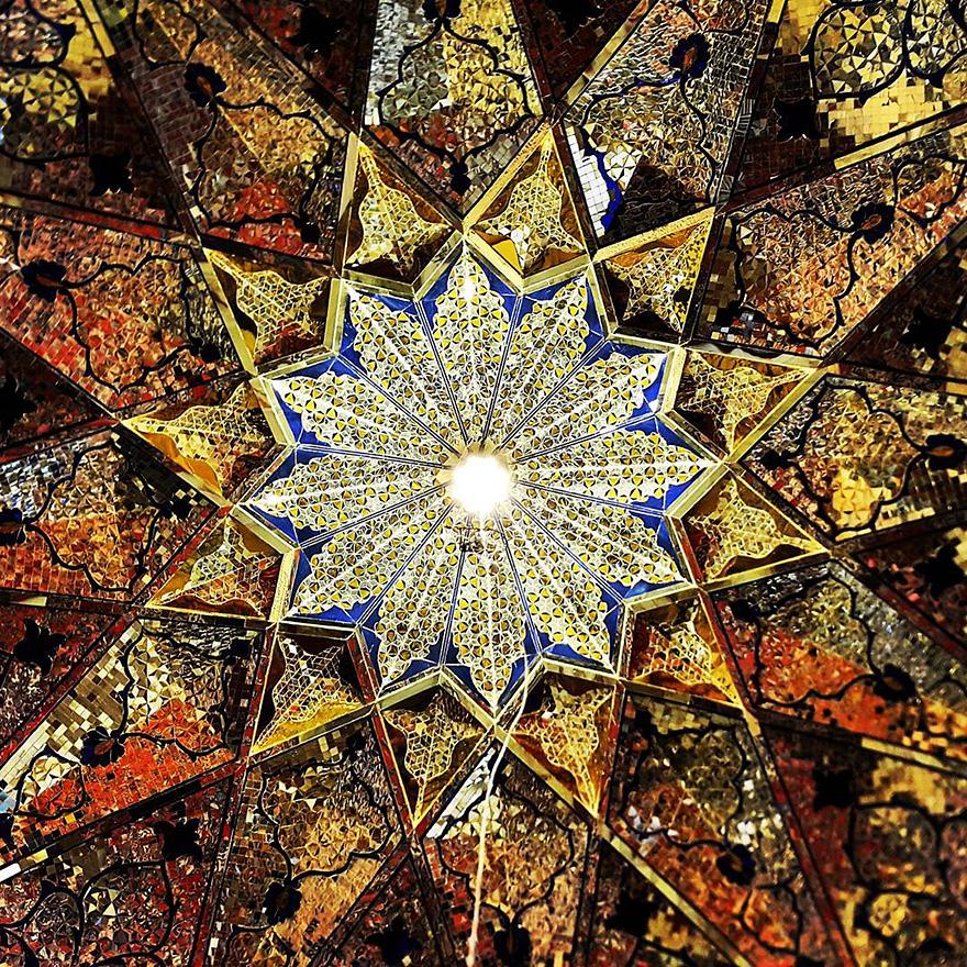 زیبایی خیره کننده سقف مساجد ایران