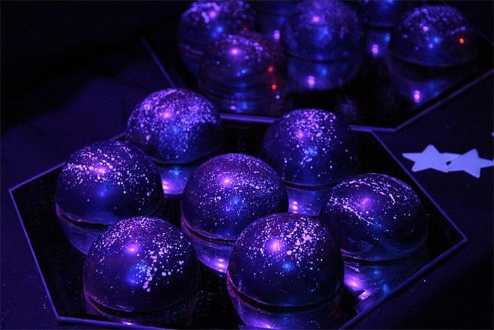 galaxy-cakes-space-sweets-nebula-cosmos-universe-25-57275fe4cbfbd__700