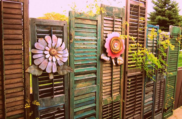 garden-fence-decor-ideas-2-572213db0cd1f__700