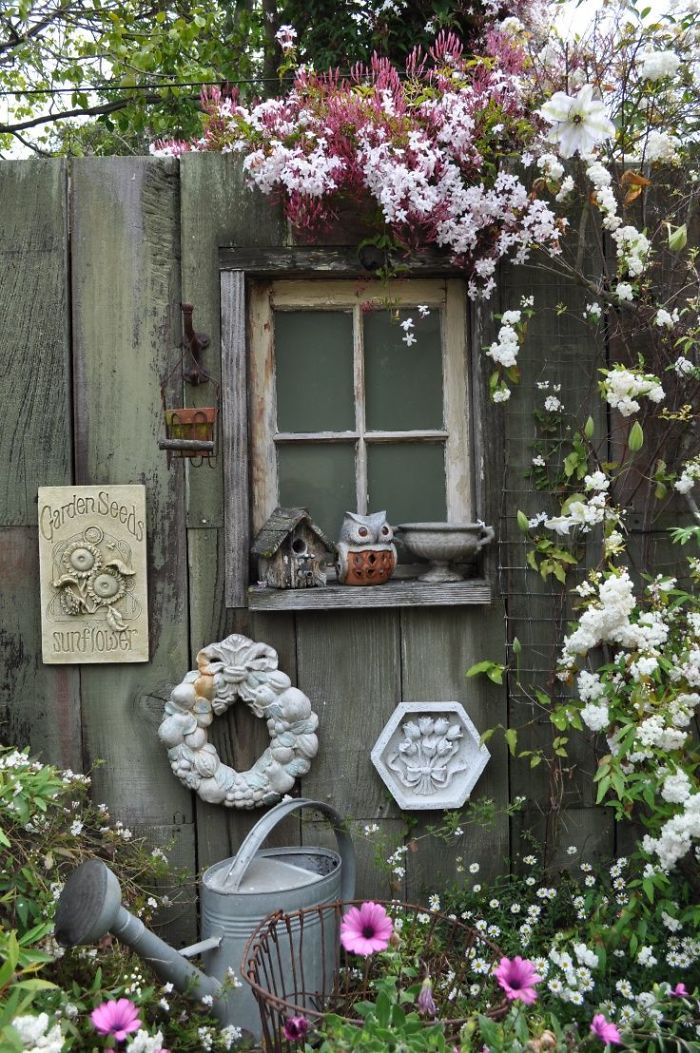 garden-fence-decor-ideas-5722156411564__700