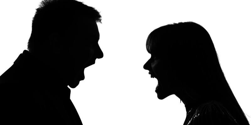 چگونه مرد ندانسته شروع به جر و بحث می کند