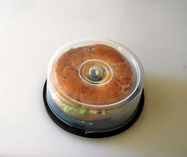استفاده از جعبه CD برای نگهداری ساندویج
