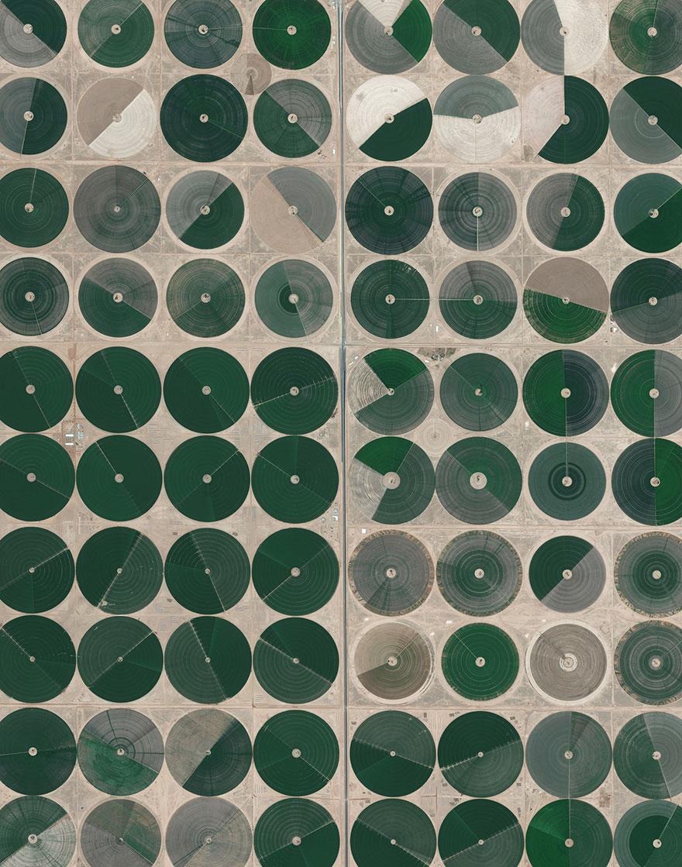 # 7 آبیاری محوری مزارع، عربستان سعودی
