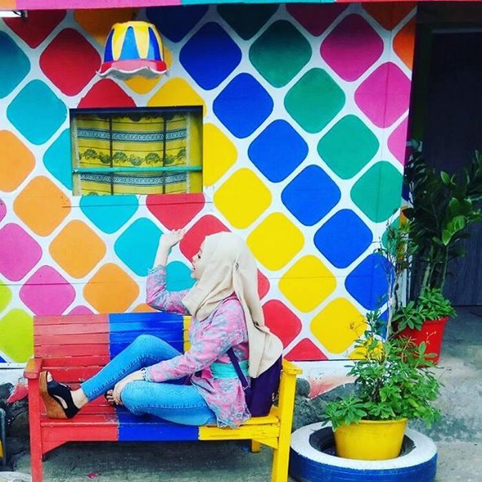روستای رنگین کمان