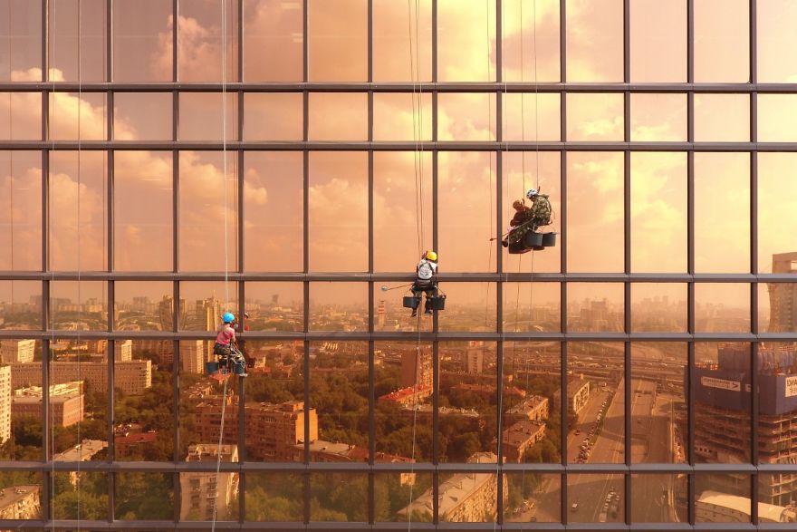 #18 Dawn On Mercury Tower : سپیده دم در برج عطارد