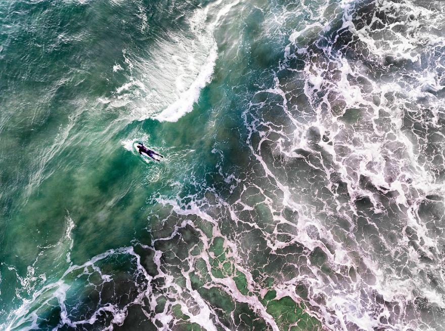 #19 Portuguese Surfer : شنا در دریا