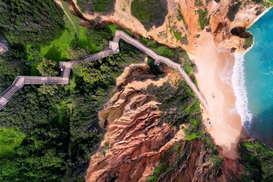 #6 Stairway To Heaven : پلکانی به بهشت - راه پله طولانی که منجر به یکی از زیباترین سواحل در الگورو، پرتغال می شود.