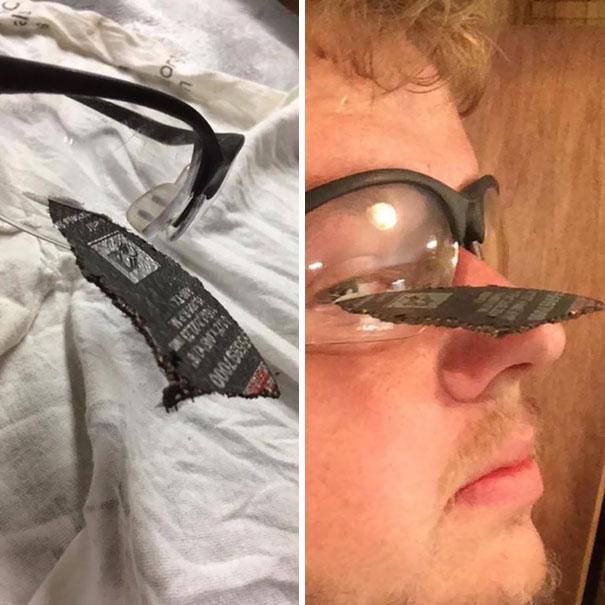 تیغه در شیشه عینک