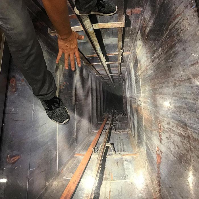 طراحی کف سه بعدی آسانسور بصورت معلق