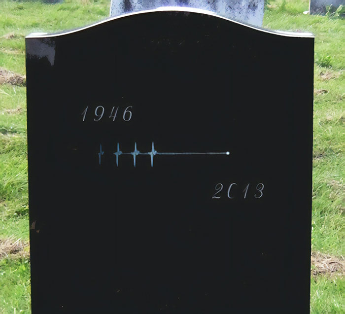 مینیمالیسم - سنگ قبر